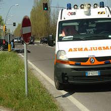 Bologna: 58enne si dà fuoco davanti all'Agenzia delle Entrate