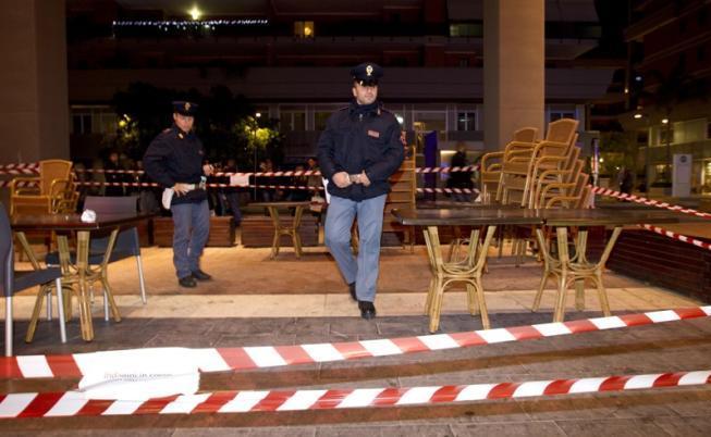 Sparatoria davanti scuola: Carabiniere uccide rivale in amore