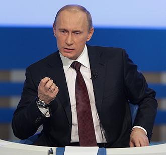 Russia: Putin dice si alle web cam nei seggi e attacca gli USA