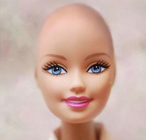 Barbie senza capelli per le bambine malate di cancro