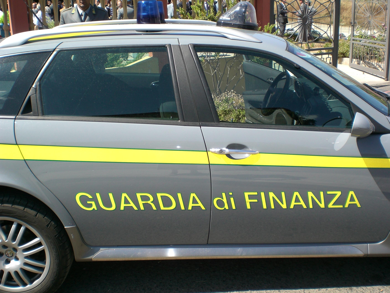 In manette falso capitano della guardia di finanza. Aggirava ragazze sul web ansiose di trovare marito