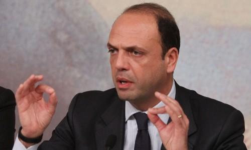 """Tessere false Pdl, Alfano: """"Esclusi trucchi e inganni"""""""