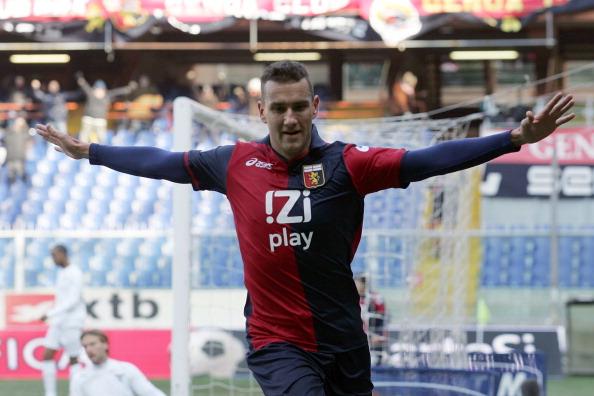 Genoa-Lazio 3-2: rossoblù inarrestabili, biancocelesti surclassati