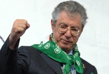 Bossi gela le speranze del Pdl: alle amministrative la Lega andrà da sola