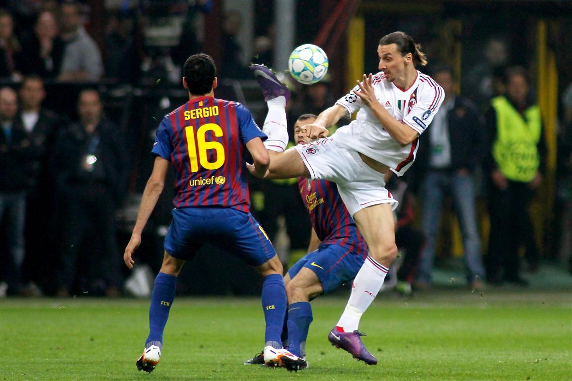 Milan travolto dal Barcellona, infuriano le polemiche