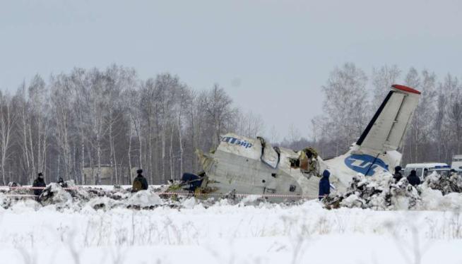 Tragedia in Russia: aereo si schianta al suolo, 31 morti e 12 feriti