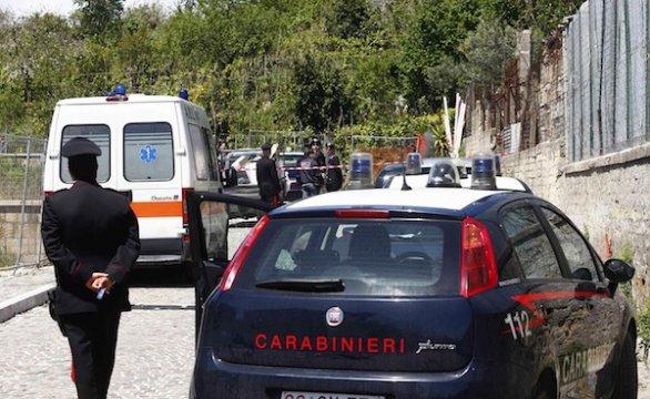 Tragedia a Palma Campania: uccide la moglie a colpi di forbice