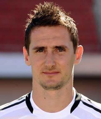 Reja sorride, Klose in campo contro l'Atalanta