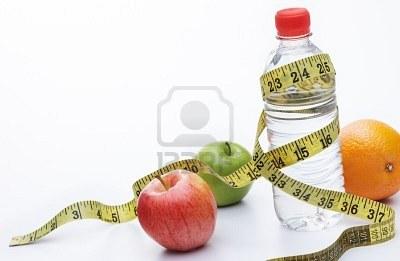 Frutta, verdura e acqua per mantenere giovane la pelle e in salute