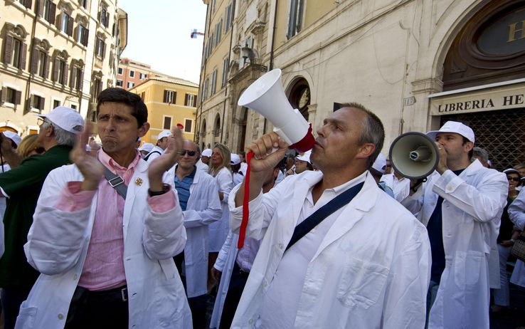 Spending review, farmacisti in sciopero il 26 luglio